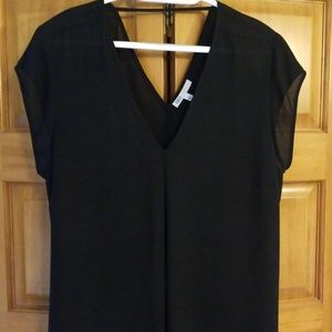 DR2 XL cap sleeve black blouse